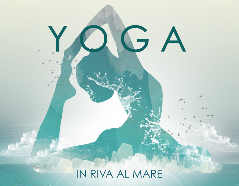 Yoga in riva al mare